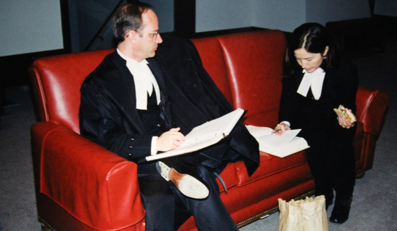 Doug Stollery and lead counsel Sheila Greckol craft their final argument to the Supreme Court of Canada during a lunch break in the case of Vriend v. Alberta. (Photo courtesy Jo-Ann Kolmes)