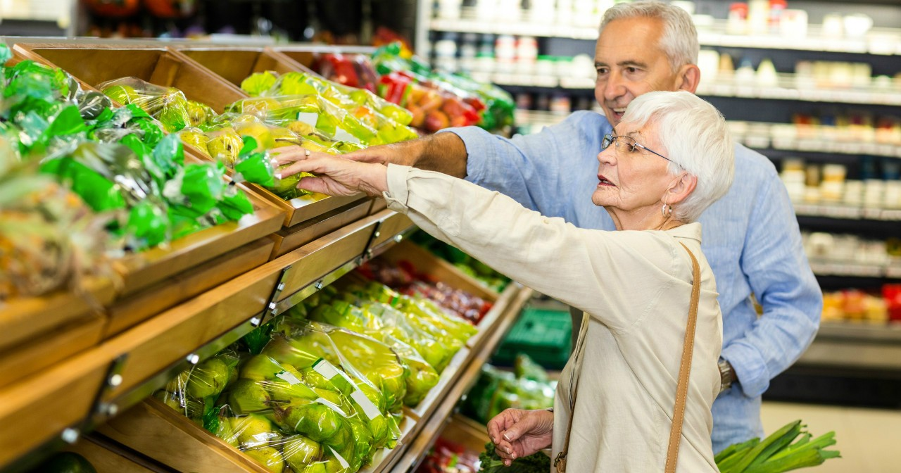 Neighbourhoods in Edmonton's core tend to have more amenities like grocery stores, family doctors and bus service that seniors need to be able to grow old at home, a UAlberta study shows.