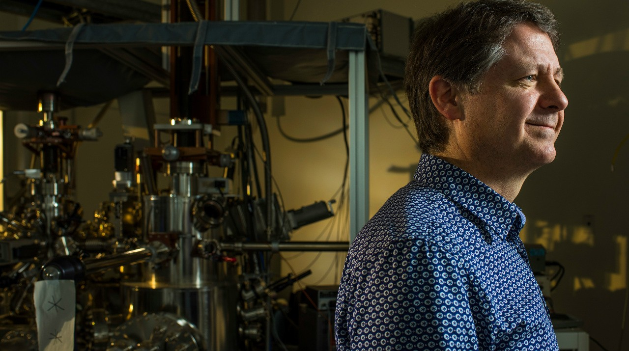 Robert Wolkow and his research team used machine learning to automate the process of building atomic-scale circuitry—an advance that opens the door to producing a new generation of faster, low-power electronics on an industrial scale. (Photo: John Ulan)