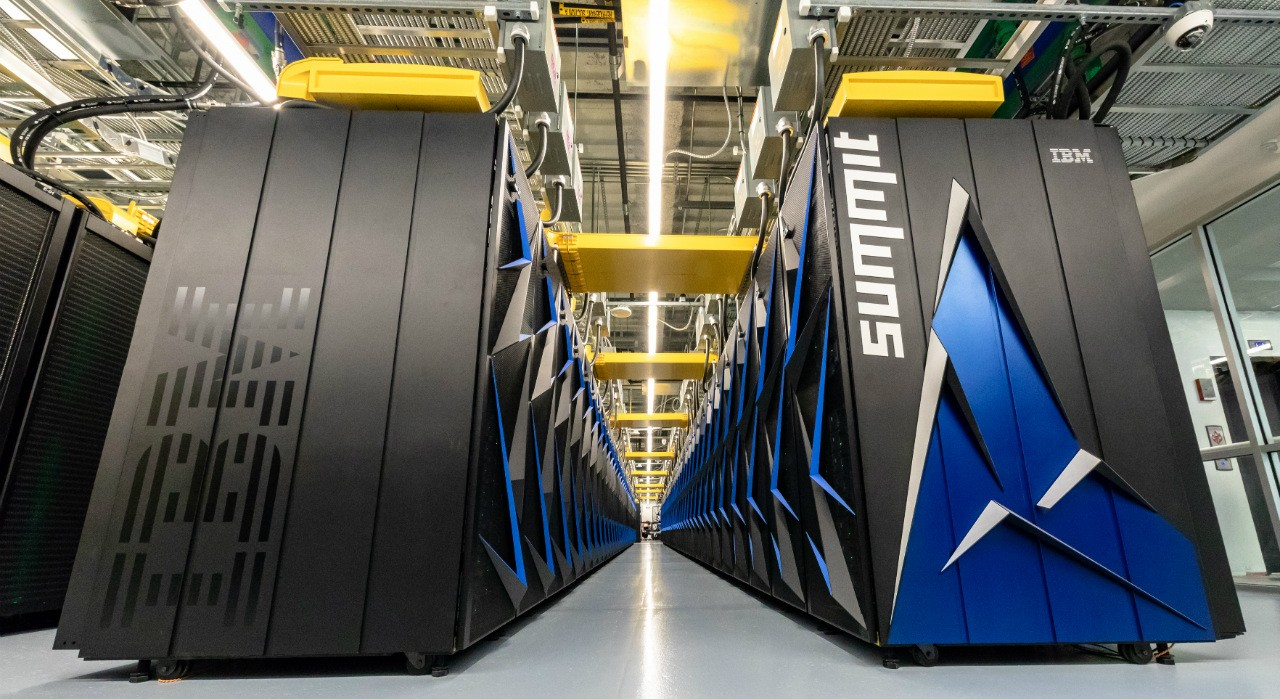 IBM's Summit, housed at the Oak Ridge National Laboratory, is the world's most powerful supercomputer. Technology developed by U of A computing scientists helps the complex system run at peak efficiency. (Photo: ORNL, CC BY 2.0)