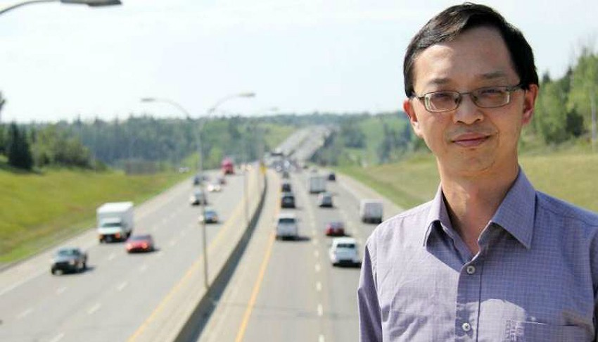 Tony Qiu, director of the U of A's Centre for Smart Transportation, leads the research team that will use $500,000 in federal funding to test the security of connected automated vehicles and road infrastructure in a connected network being piloted in Edmonton. (Photo: Faculty of Engineering)