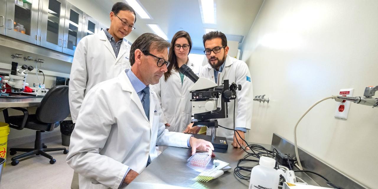 James Shapiro with his team in the U of A's Clinical Islet Transplant Program. Shapiro developed the Edmonton Protocol for treating Type 1 diabetes after performing the world's first human islet cell transplant in 1999. Since then, 626 patients have been treated using the protocol, and the U of A runs the world's largest islet cell transplant clinic. (Photo: Richard Siemens)