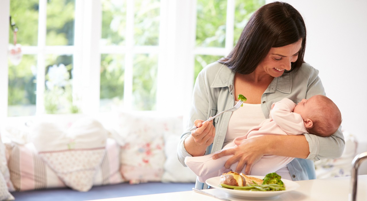 Nursing moms can help reduce their babies' chances of developing food allergies by eating certain foods and nutrients, according to a U of A nutrition expert.