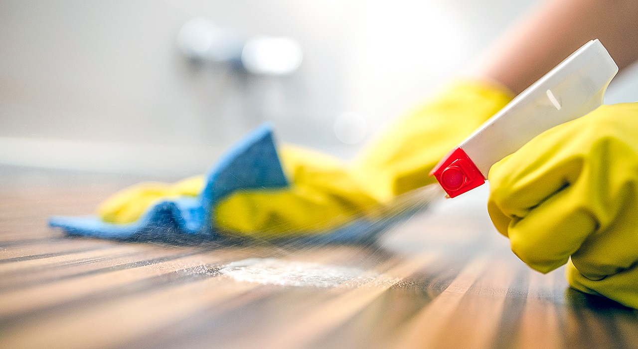 Frequent use of household disinfectants with antimicrobial or antibacterial agents is strongly linked with a higher risk of obesity in infants, according to new U of A research. (Photo: Getty Images)