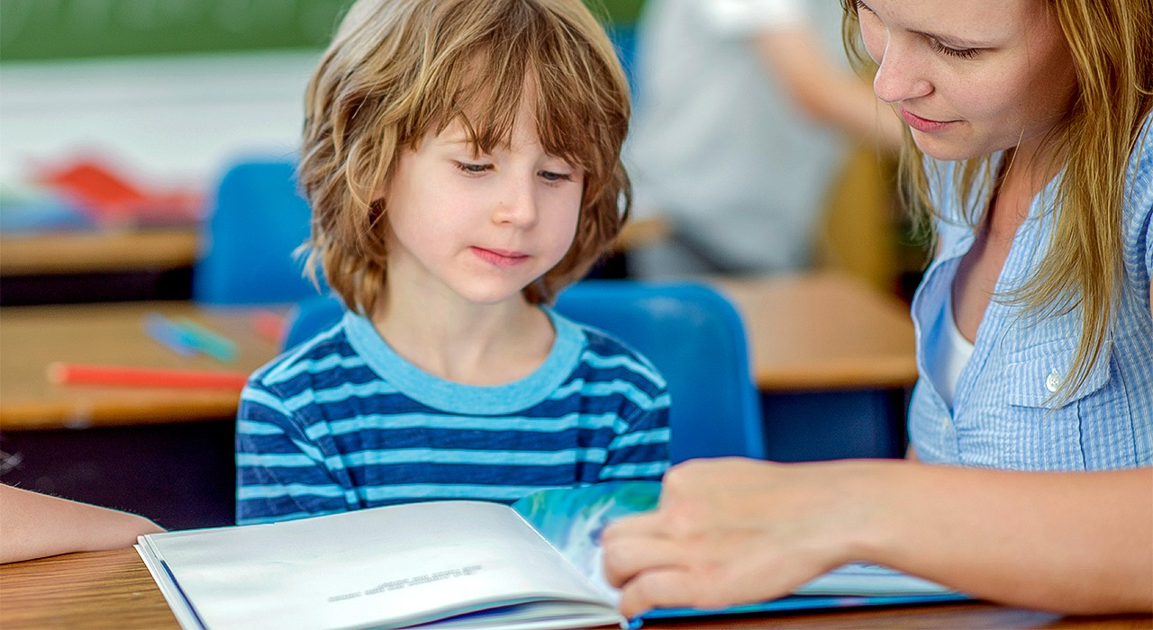 Early assessment and intervention aimed at improving reading skills work best when delivered in grades 1 and 2, but can still show some success with Grade 3 students, according to a U of A education researcher. (Photo: Getty Images)
