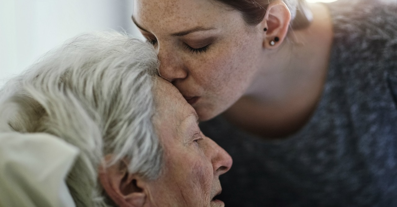 With a growing need for rural hospice care, communities and government need a more united approach that allows people to be surrounded by loved ones in their home communities during their final days, says a U of A researcher. (Photo: Getty Images).