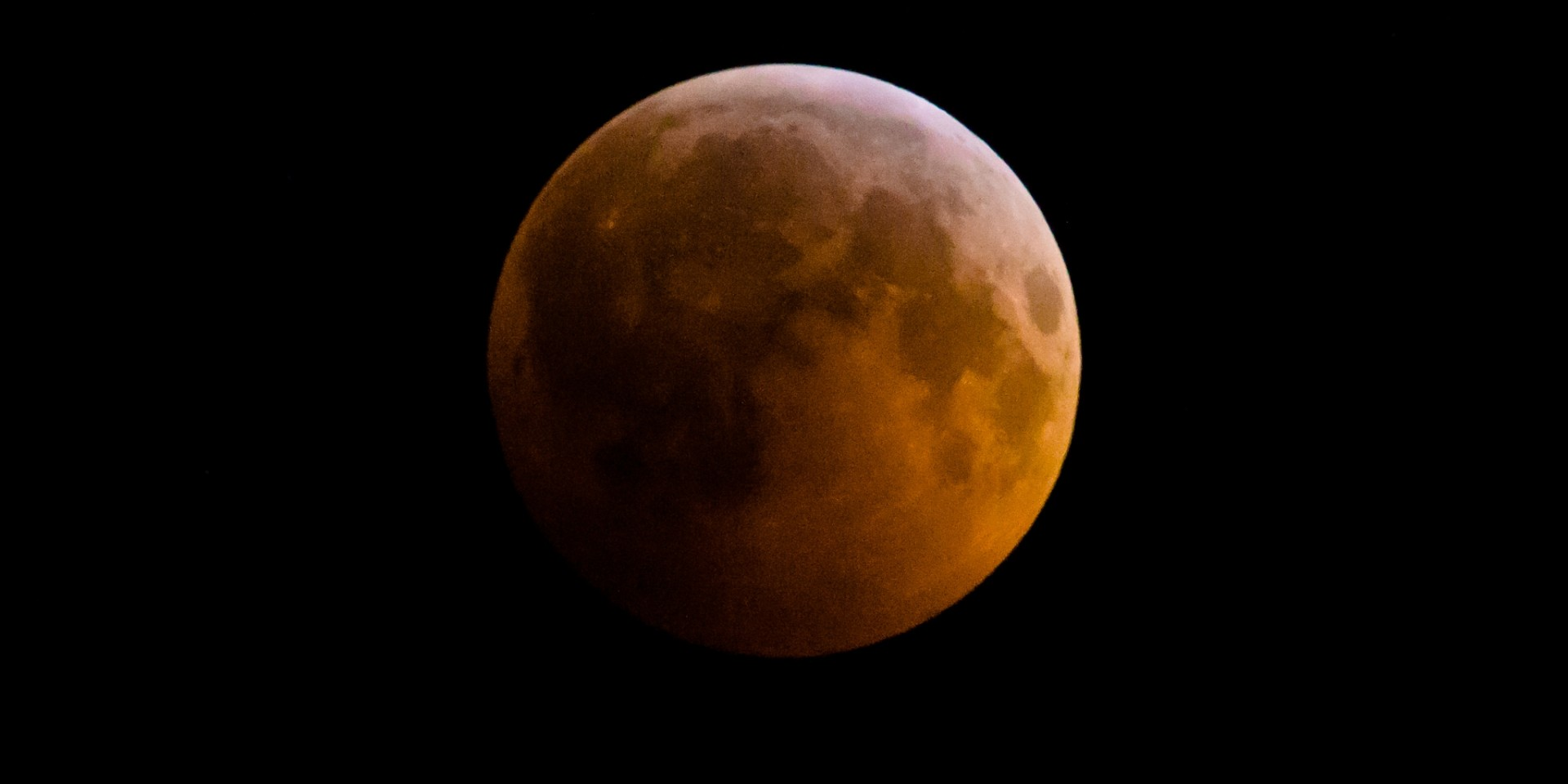 A total lunar eclipse will turn the moon a coppery orange this Sunday night, kicking off a year of celestial highlights worth seeing, says a U of A astrophysicist. (Photo: Kurt Bauschardt via Flickr, CC BY-SA 2.0)