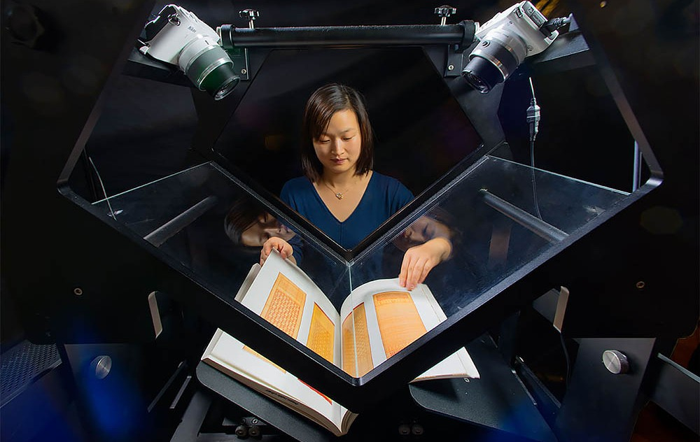 Staff from the Internet Archive are using Scribe scanners like this one to digitize more than 14,000 master's and doctoral theses from the U of A and make them available online. (Photo: Internet Archive)