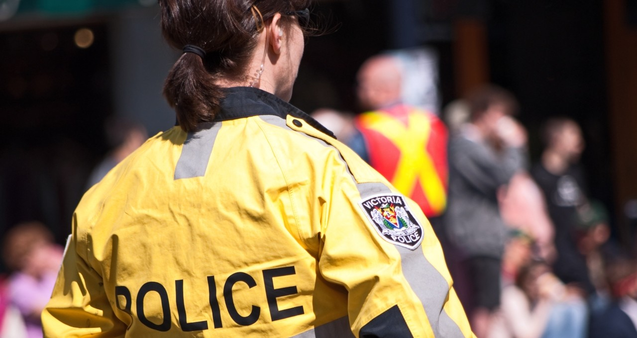 Increasing the number of women and university graduates on Canadian police forces would likely reduce the disproportionate use of Tasers on people with mental illness, says a U of A sociologist. (Photo: Getty Images)