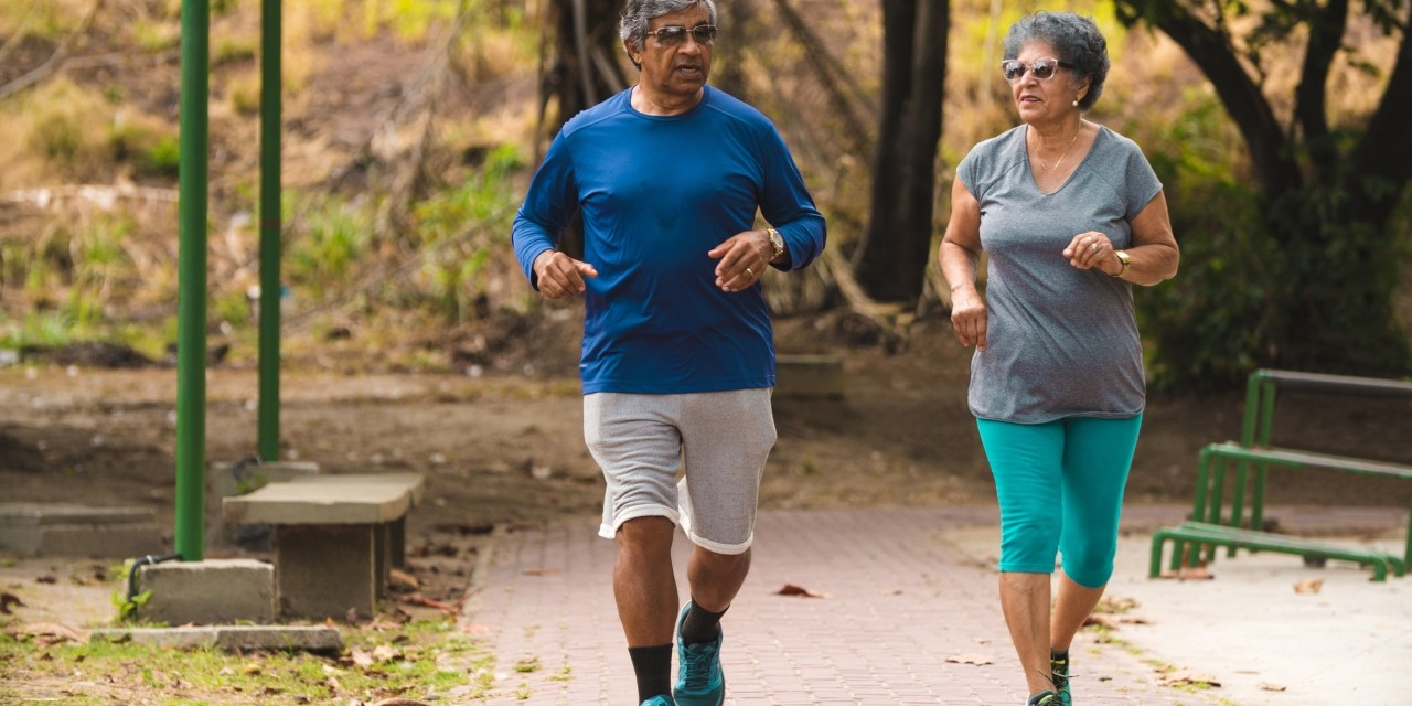 People are more likely to stick with exercise when they make time for it and focus on enjoying benefits like social contact, rather than focusing on short-term goals like weight loss, according to U of A expert Kerry Mummery. (Photo: Getty Images)