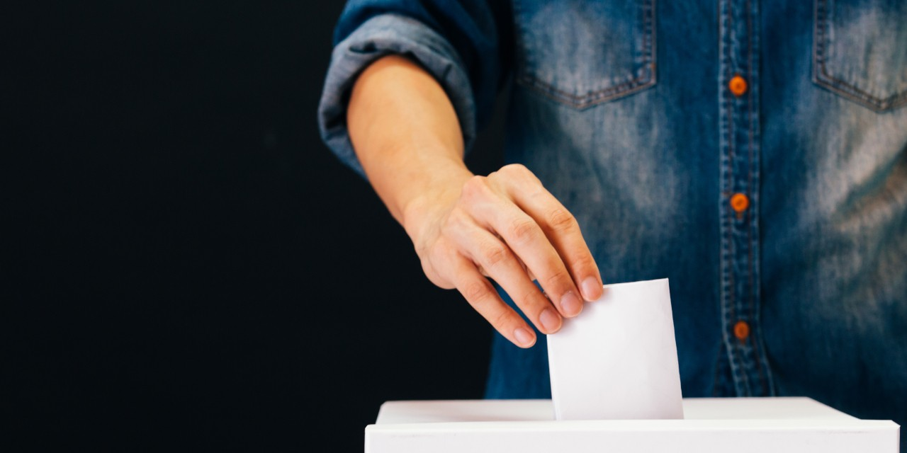 Casting your ballot on Oct. 21 is a way to express your ideas about what matters to Canada's future—and to make politicians realize they have to earn your vote, say U of A experts. (Photo: Getty Images)