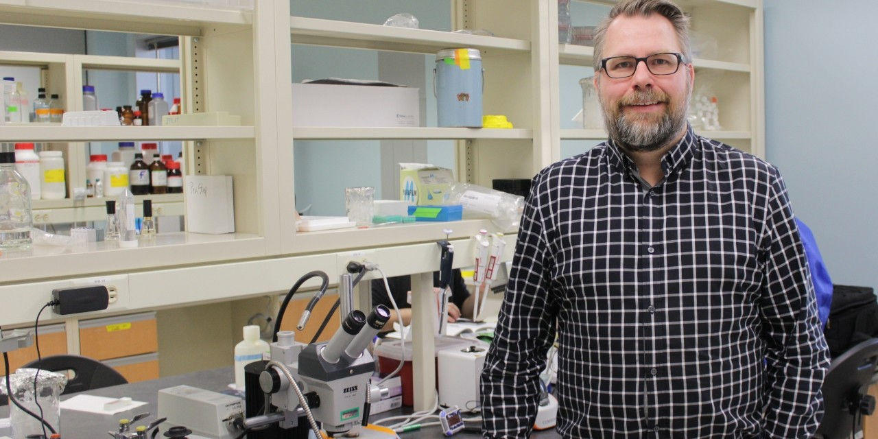 U of A neuroscientist Jason Plemel was part of a team of Canadian researchers who discovered that immune cells in the brain and spinal cord behave differently from blood immune cells in their response to nerve damage. (Photo: Ryan O'Byrne)
