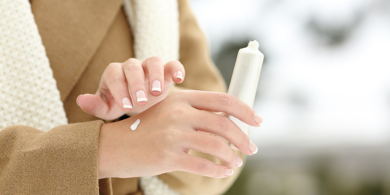Applying moisturizer helps keep your skin smooth in winter, but it's better to use it after you come in from the cold, says U of A dermatologist Robert Gniadecki. (Photo: Getty Images)