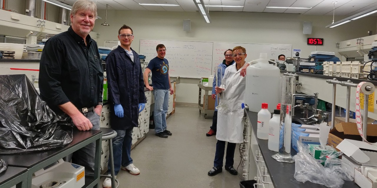 U of A chemists are using labs on campus to make hand sanitizer for the community, using a WHO recipe and a process that allows them to maintain physical distancing. (Photo: Laura Pham)