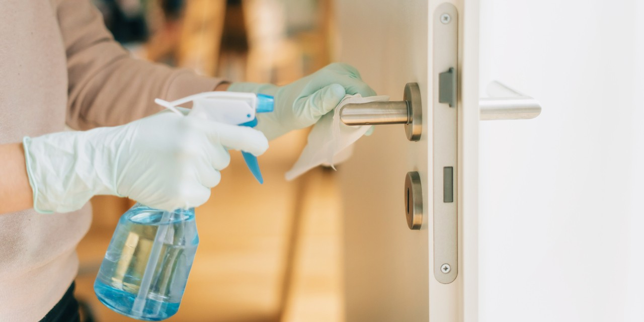 Wiping down doorknobs, light switches and other things you touch after walking through the door is one of the best ways to keep your home clear of COVID-19, according to a U of A virologist. (Photo: Getty Images)