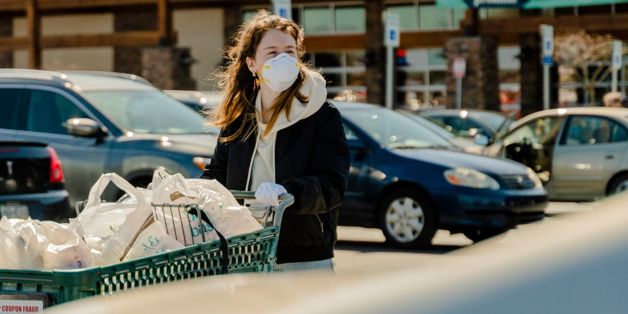 Many Canadians have quickly shifted their attitudes toward wearing protective masks in public during the COVID-19 pandemic—something Asian-Canadians tend to be already comfortable with, according to U of A researchers. (Photo: Getty Images)