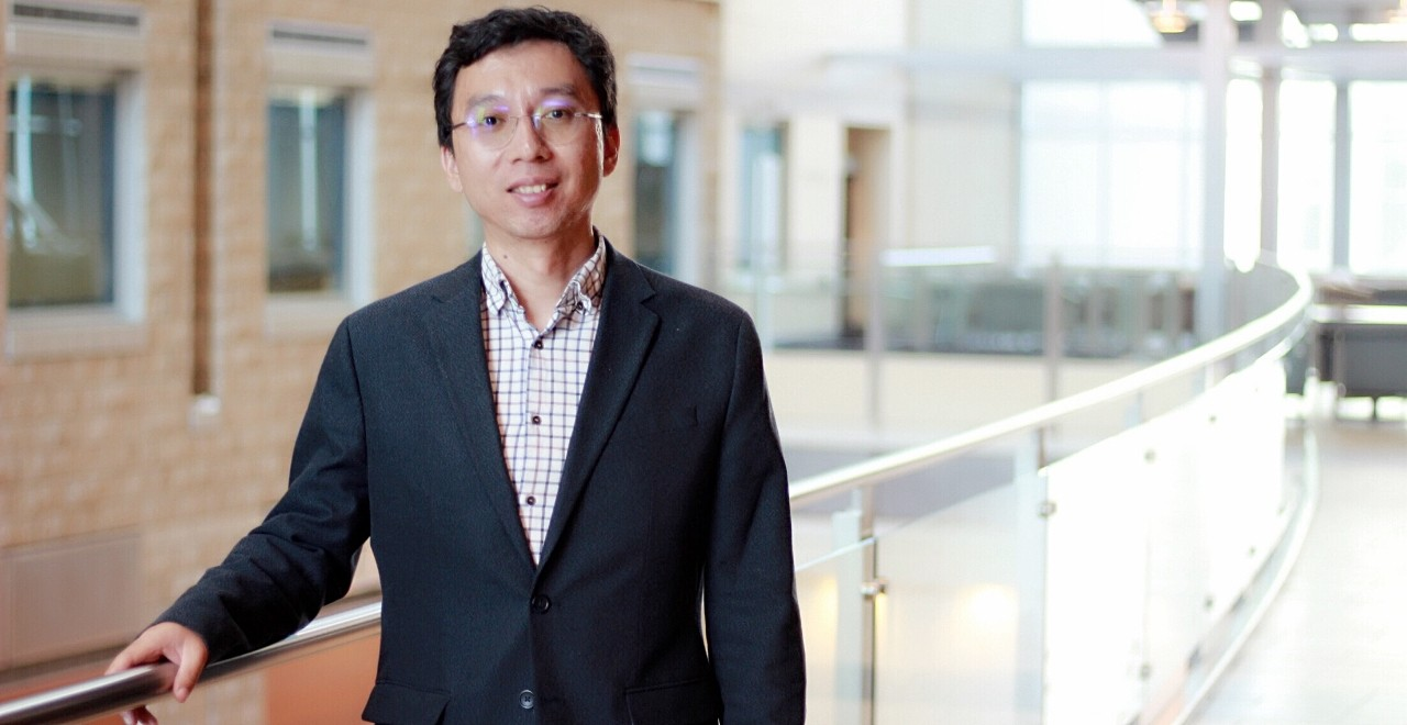 Psychiatry professor Bo Cao is working with colleagues in the U of A's Computational Psychiatry Group to develop machine learning that can analyze databases of brain scans to help identify and treat mental disorders. (Photo: Ross Neitz)