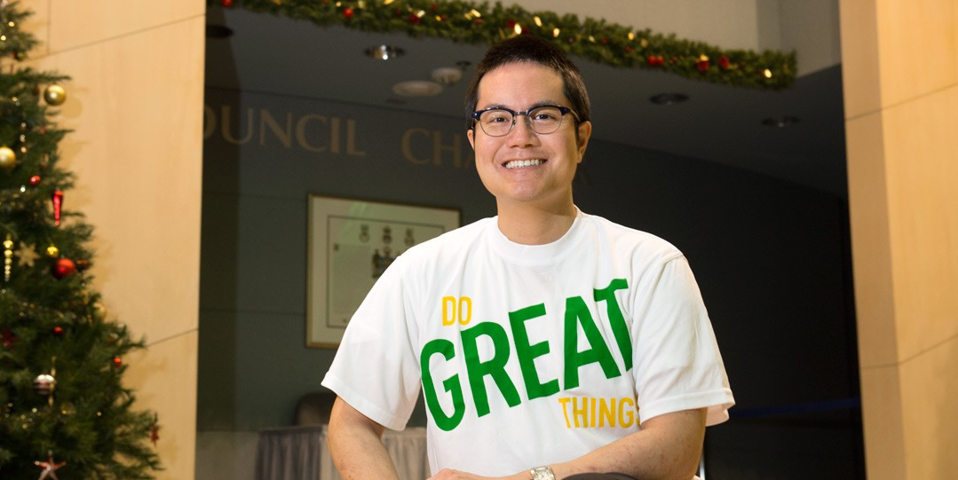 "Christopher Lui, '07 BCom, '13 MBA, is one of more than 2,300 UAlberta alumni who have risen to the 'Do Great Things' volunteer challenge. ""The U of A does a lot of great work,"" he says, ""and we need to showcase how the U of A contributes to Edmonton."" (Photo: Richard Siemens)"