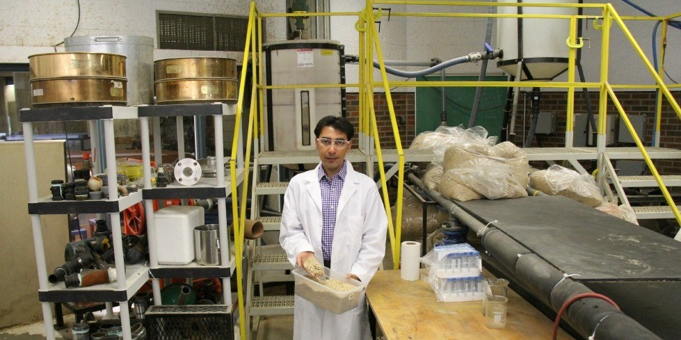 Engineering PhD student Mahdi Vaezi is trying to find out how efficient it is to transport agricultural waste used in biofuels to biorefineries by pipeline.