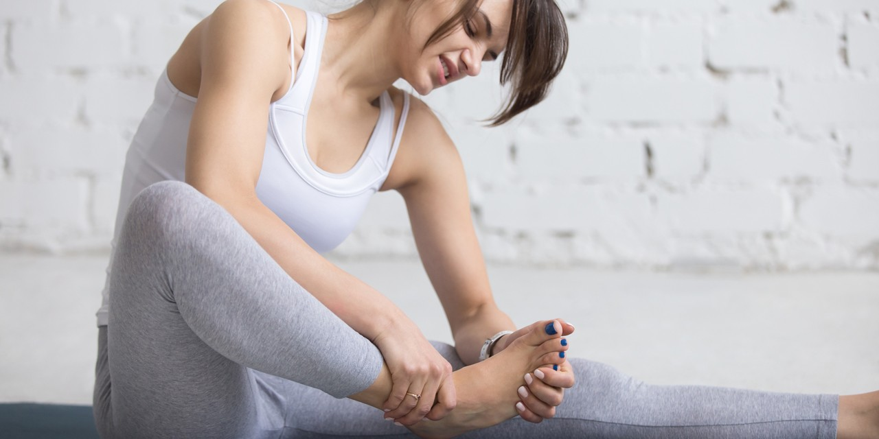 You'll know you suffered an ankle strain or sprain because of the pain, swelling and difficulty putting your weight on that foot, according to Jessie Gill, a physiotherapist at the U of A's Glen Sather Clinic.