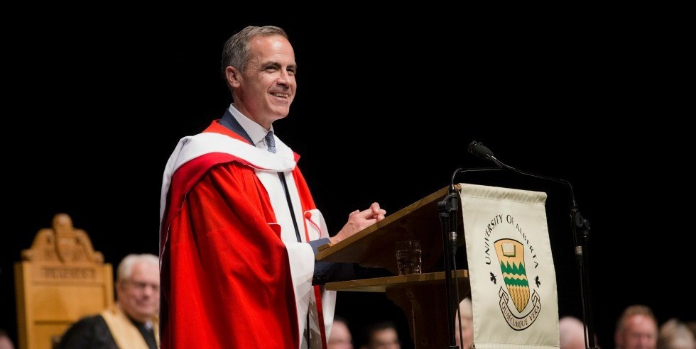 Mark Carney addresses graduands of the Alberta School of Business after receiving his honorary doctor of laws degree June 7. (Photo: Laughing Dog Photography)