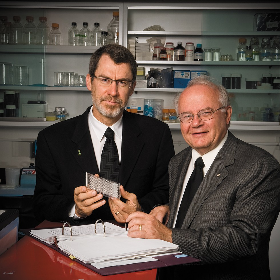 Norman Kneteman (left) and Lorne Tyrrell developed a novel mouse model for hepatitis testing with colleague David Mercer (not pictured).