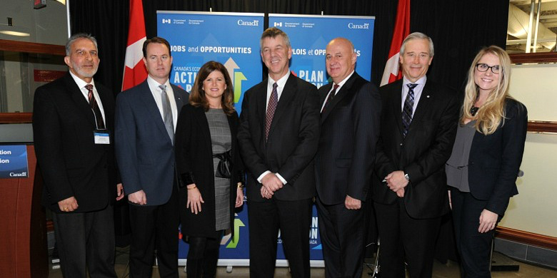 Speakers at the announcement of Canada Accelerator and Incubator Program funding (from left): Kashmir Gill (NRC-IRAP), Brad Ferguson (EEDC), Hon. Rona Ambrose (minister of health), Chris Lumb (TEC Edmonton), Henry Kutarna (Innovate Calgary), Cy Frank (AIHS) and Stephanie Zakala (Orpyx Medical Technologies). Missing: Edmonton city councillor Michael Oshry.