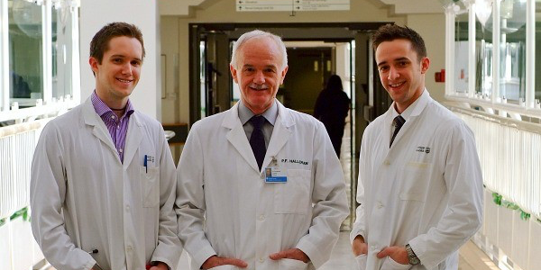 Philip Halloran is flanked by his sons Kieran (left) and Brendan, both of whom are now medical professors at UAlberta. (Photo: Faculty of Medicine & Dentistry)