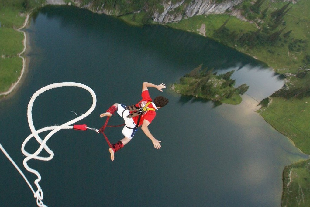 Bungyjump.   Foto: flickr/carlalane