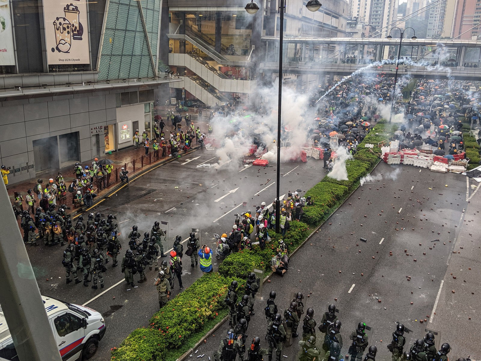 hong-kong-protests---tsuen-wan-march---20190825---img-20190825-174648-871272.jpg