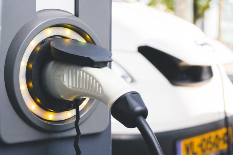 electric+and+hybrid+car