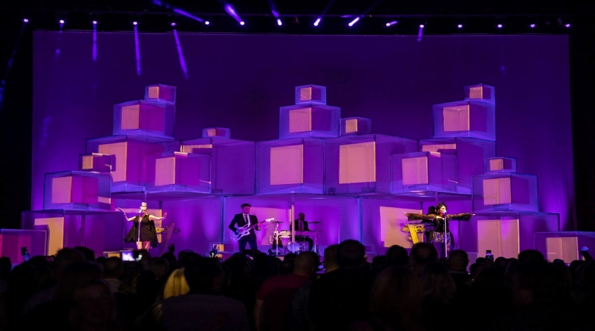 Human League, used projection mapping and a stage design that featured stacked 3D giant cubes