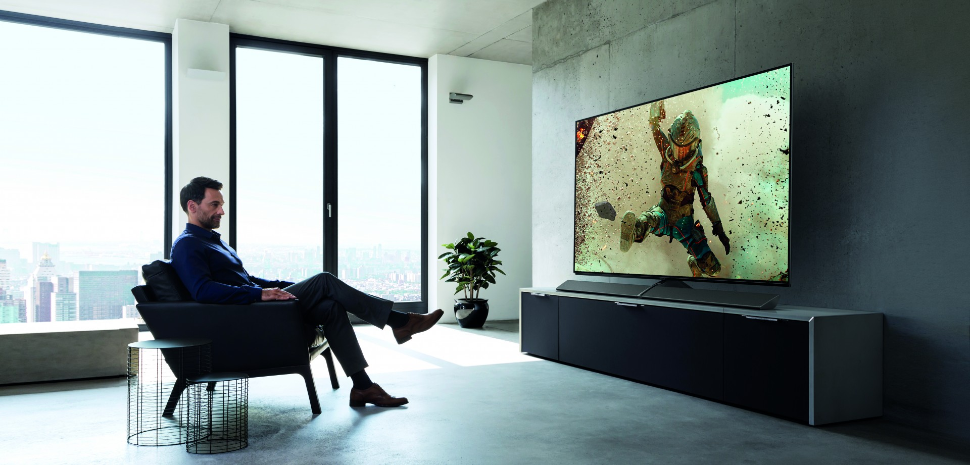 Panasonic TV EZ1002
