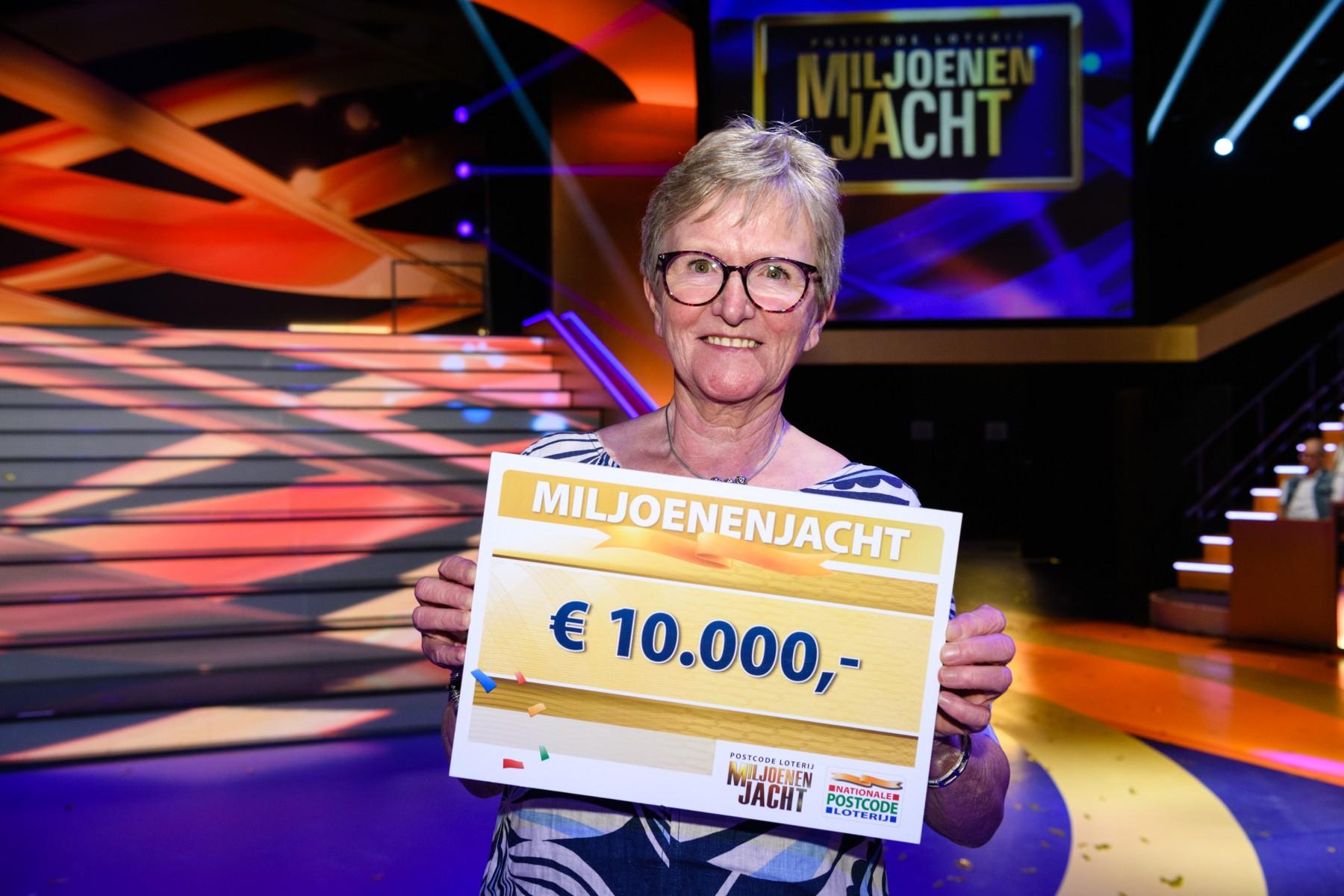Alie Uit Kampen Wint 10 000 Euro Bij Tv Show Miljoenenjacht