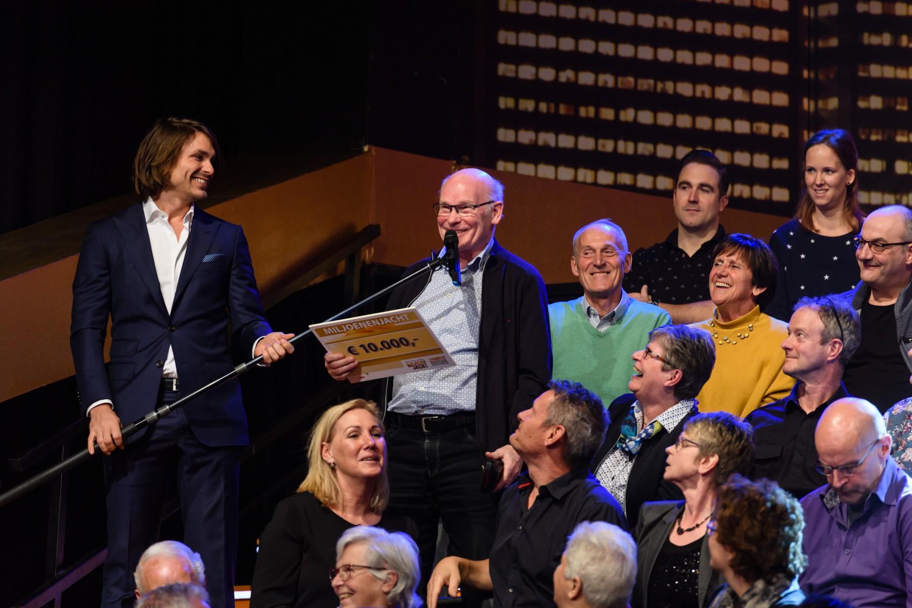 Henk 74 Uit Bakel Wint 10 000 Euro Bij Tv Show Miljoenenjacht