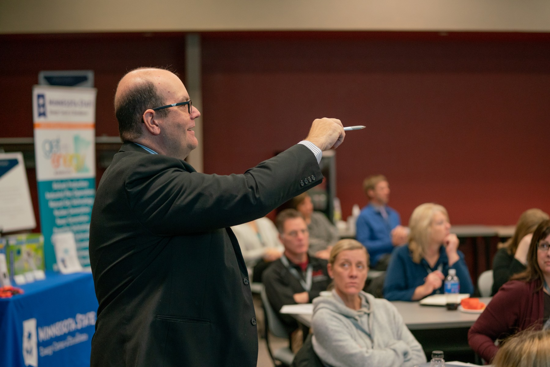 Bart Graves addresses attendees at the 21st Century Workforce Conference at Sourcewell on November 16.