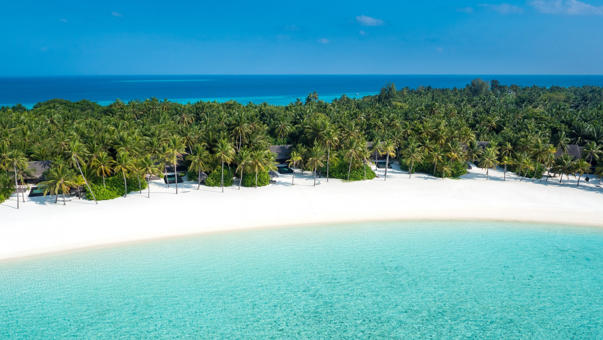 One&Only_ReethiRah_Accommodation_BeachVillasWithPool_Aerial-1