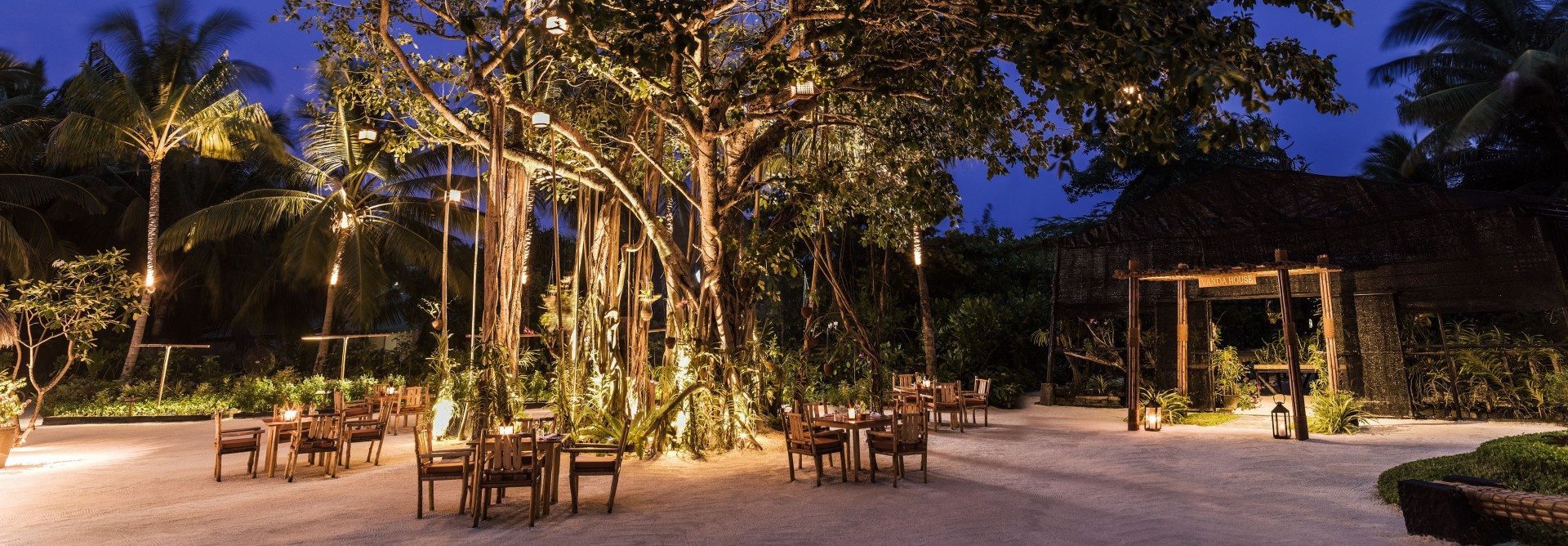 Botanica Banyan Tree Dining Area