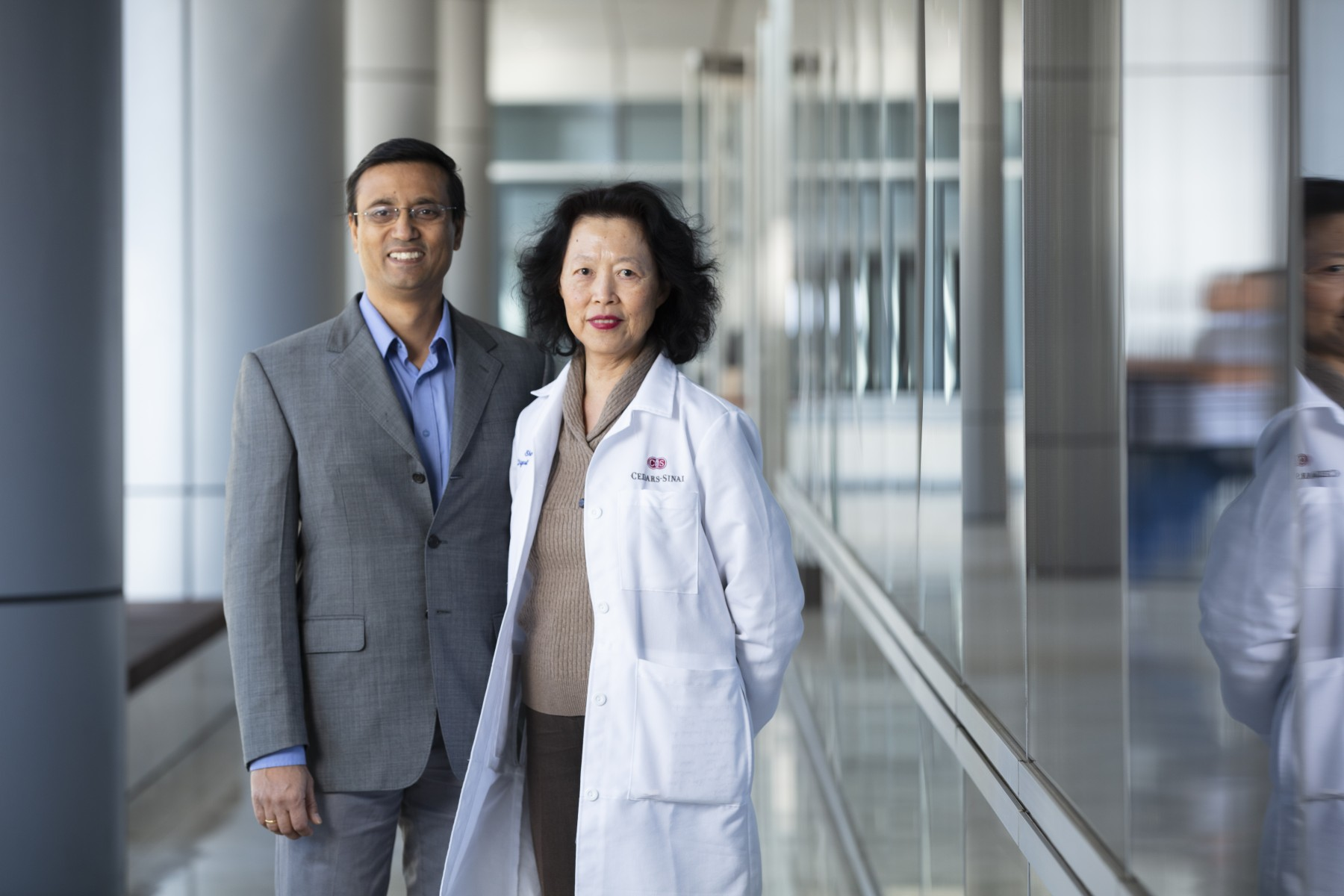 Neil Bhowmick, PhD, and Shelly Lu, MD, are studying the role of fat when cancer in one part of the body spreads to the liver.  Photo by Cedars-Sinai.
