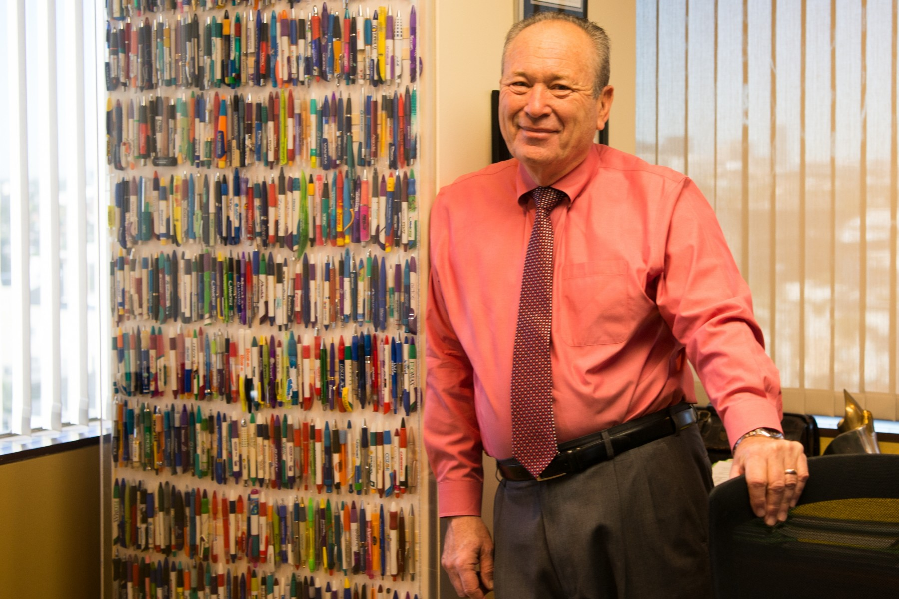 Jeff Caran, MD, with his pen collection. Photo by Cedars-Sinai.