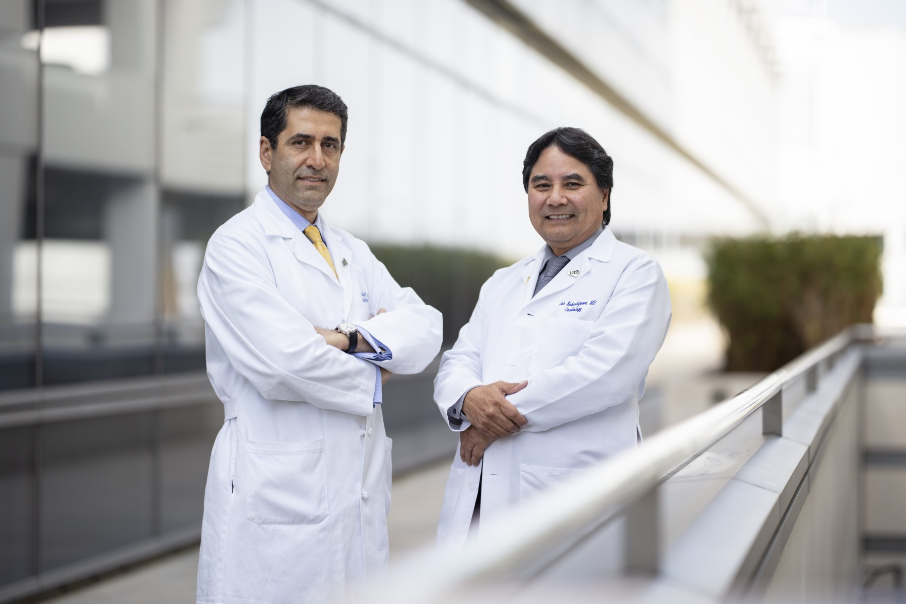 Cardiothoracic surgeon Fardad Esmailian, MD, on the left, with Jon Kobashigawa, MD,  director of heart transplant. Photo by Cedars-Sinai.