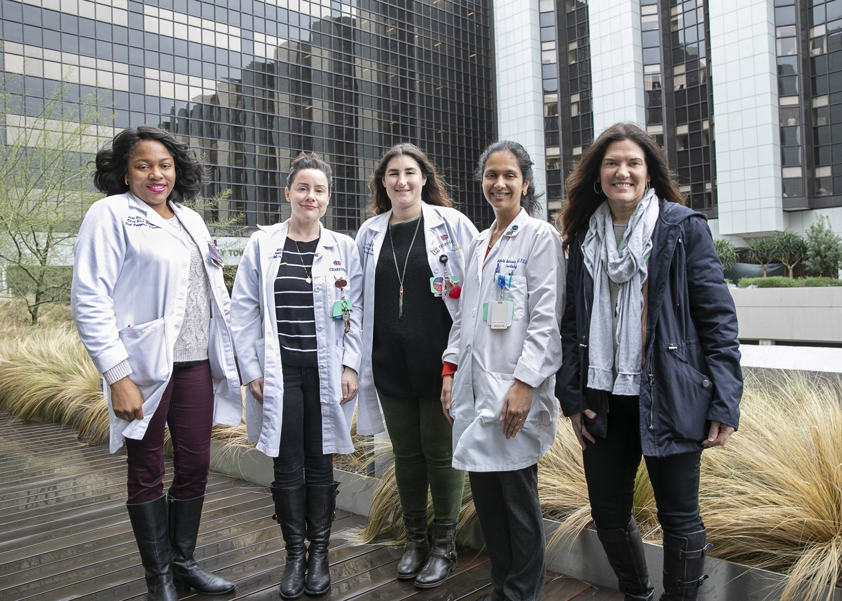 From left to right, Linda Olanisa, LCSW; Megan Olman, LCSW; Alisa Fishman, LCSW; Michelle Kittleson, MD, PhD; Angela Velleca, RN. Photo by Cedars-Sinai.