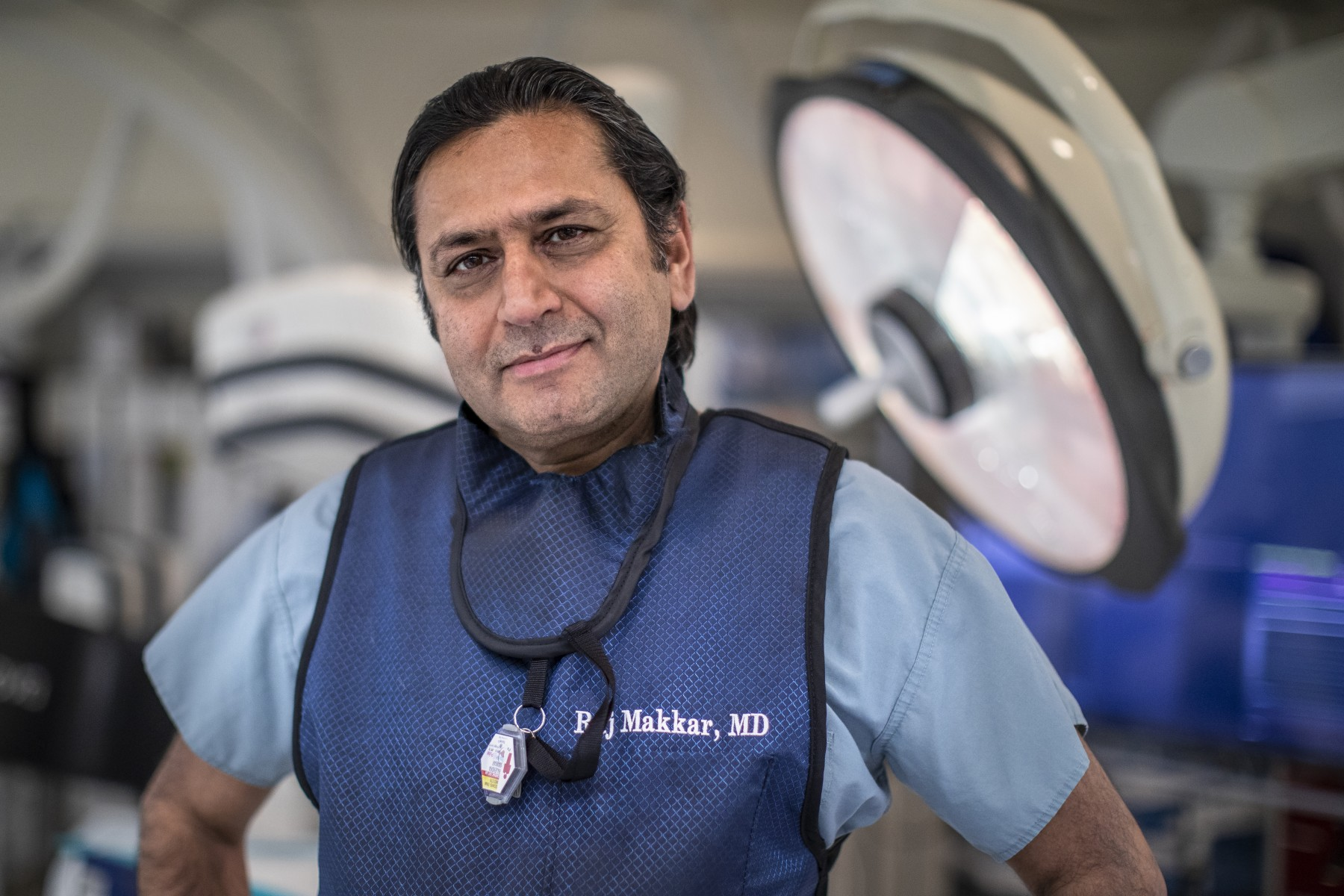 Raj Makkar, MD, led a multicenter national study comparing outcomes for minimally invasive heart valve replacement to open-heart surgery. Photo by Cedars-Sinai.