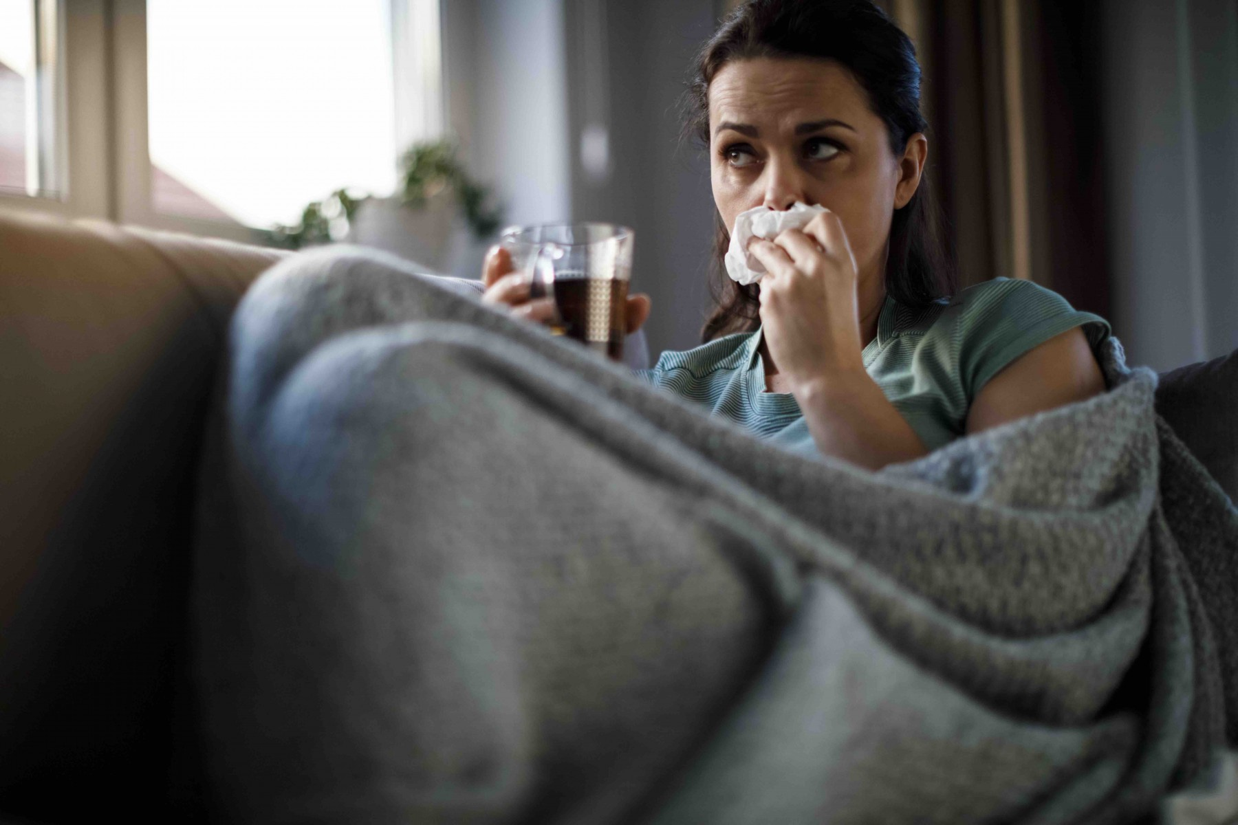 Cedars-Sinai experts say it's critical to remain vigilant about safety measures that can prevent the spread of the flu and COVID-19. Photo by Getty Images.