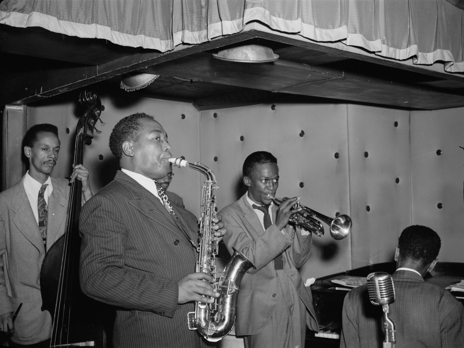 Charlie Parker, Tommy Potter, Miles Davis, Duke Jordan and Max Roach at Three Deuces, New York, N.Y in 1947