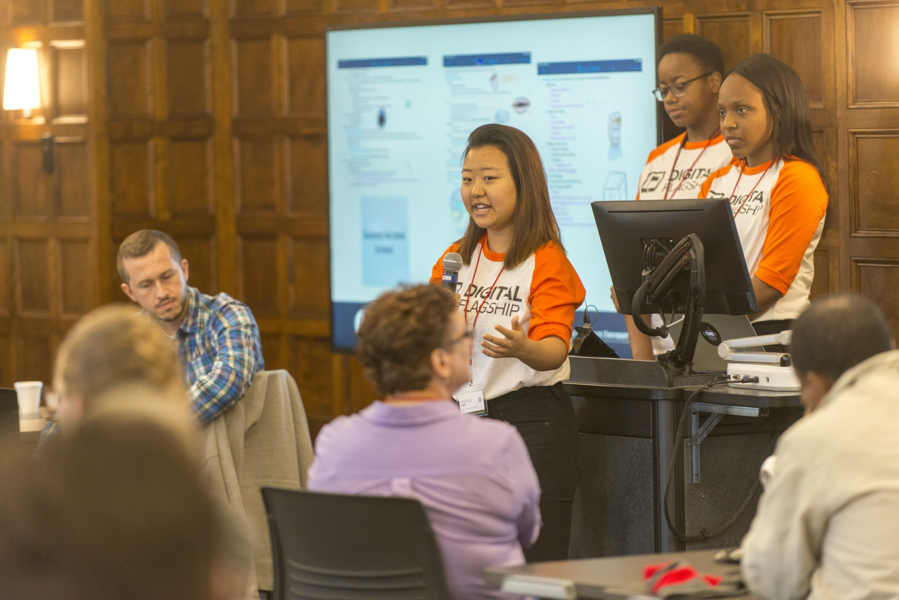Digital Flagship students discuss their experience at the Innovate Faculty Showcase