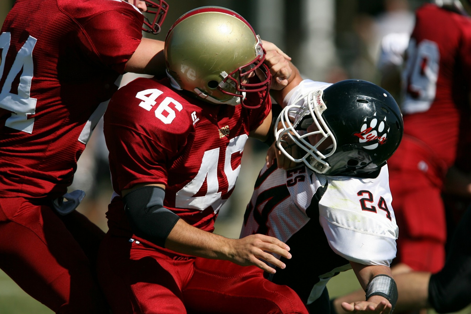 A cardiac MRI can help determine when athletes who recovered from COVID-19 can return to play.