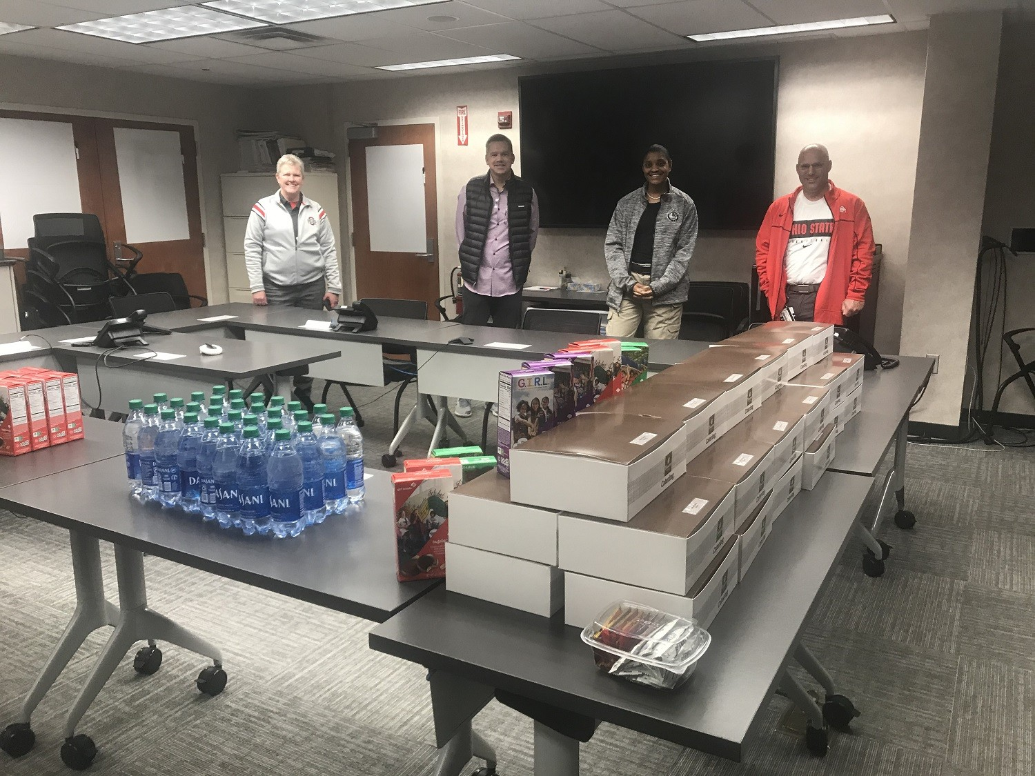 Ohio State basketball coach Chris Holtmann delivers lunch to public safety staff