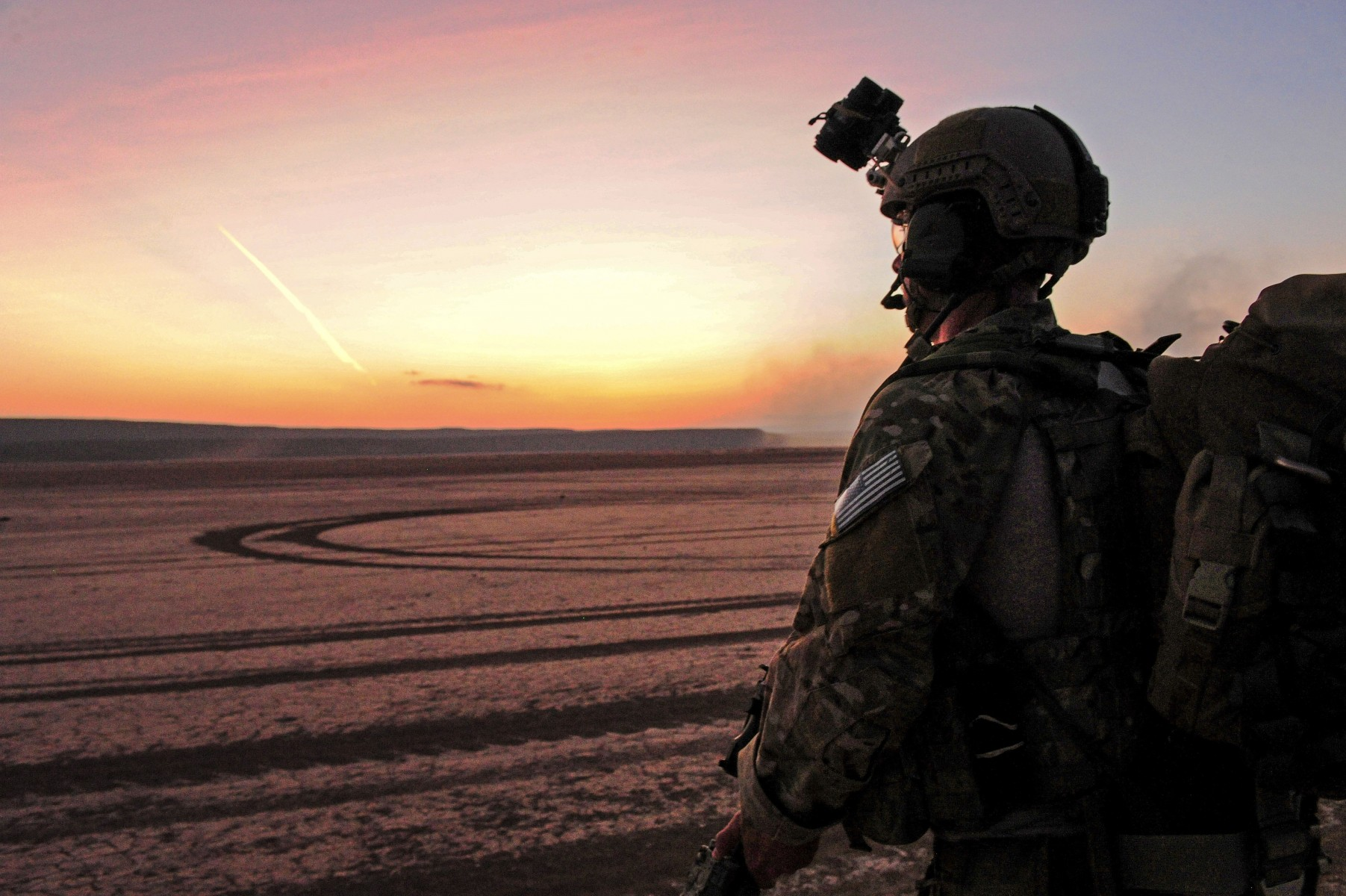 U.S. Air Force pararescueman participates in a training exercise Nov. 28, 2012 in the Grand Bara Desert, Djibouti.