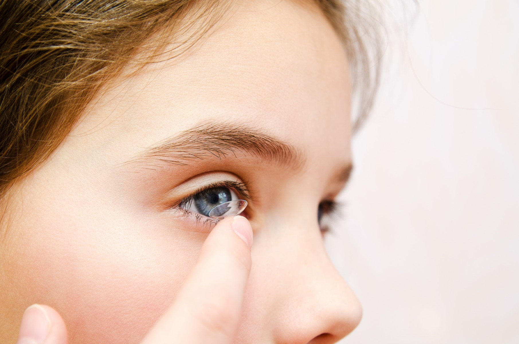 Jeffrey Walline has been studying contact lens use in children for years and has found that in addition to the vision benefits, contact lenses also improve kids' self-esteem.